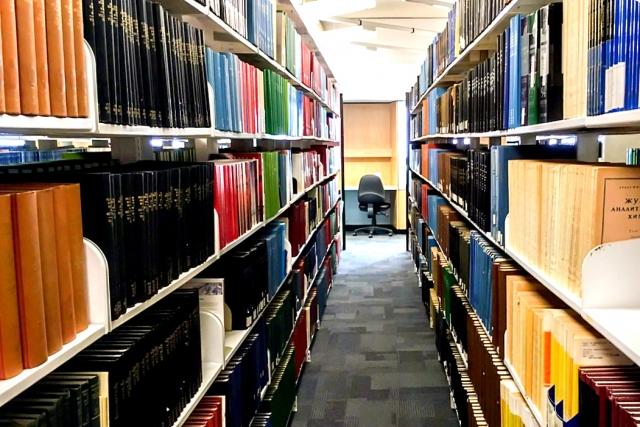 薬学部 薬学生 図書館 勉強 薬剤師国家試験